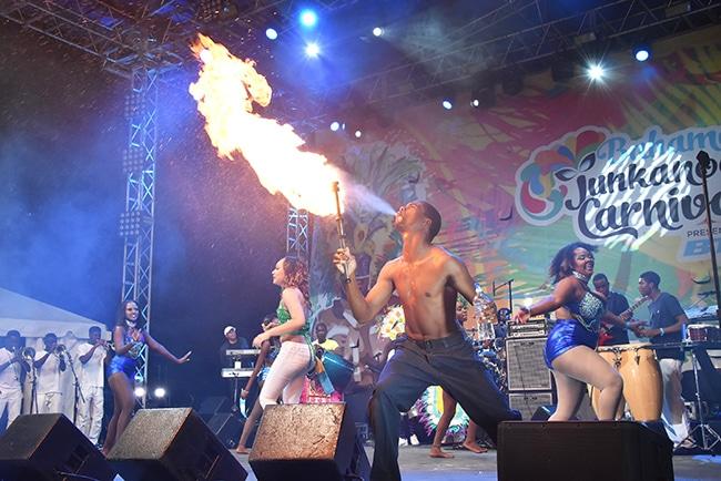 festival junkanoo bahamas